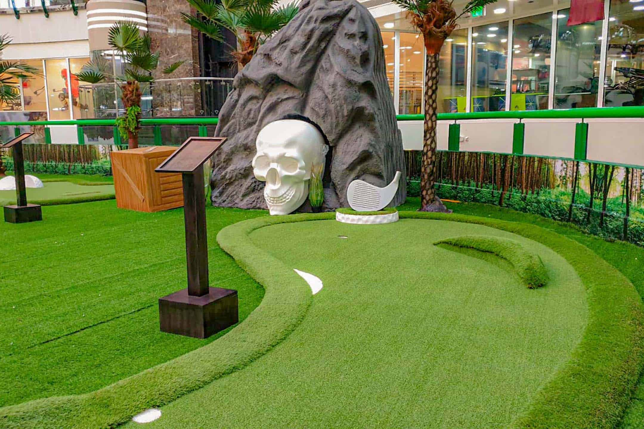 Pop up mini golf img 1