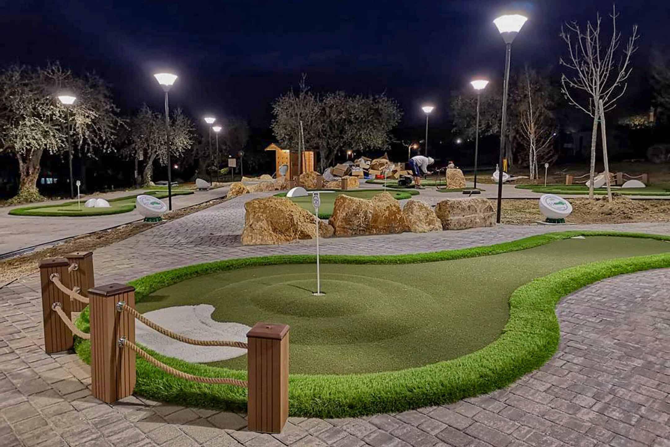 Pop up mini golf img 3